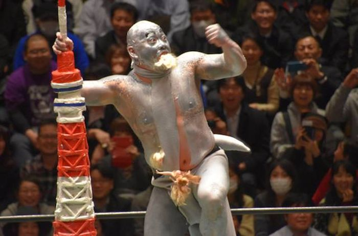 Japanese Wrestling Will Make Your Brain Hurt (26 pics)