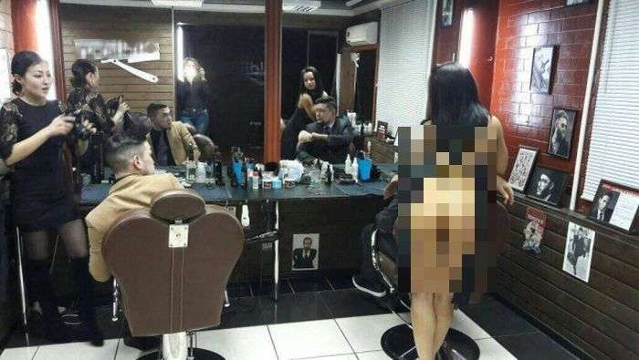 It's Obvious Why People Love This Hairdresser In Eastern Kazakhstan (3 pics)