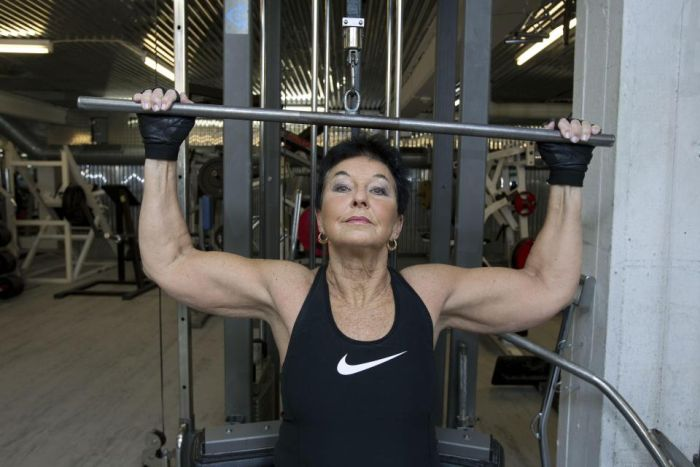 You'll Never Guess How Old This Female Weightlifter Is (5 pics)