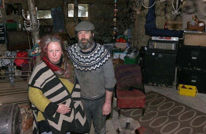 Couple Getting Kicked Out Of Their Forest Home (16 pics)