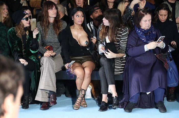 Nicki Minaj Wears Very Revealing Outfit To Paris Fashion Week (10 pics)
