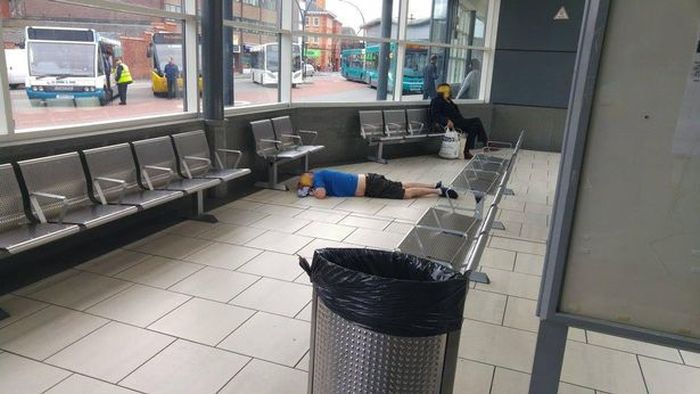 Bloody Needles Discovered At Wrexham Bus Station (9 pics)