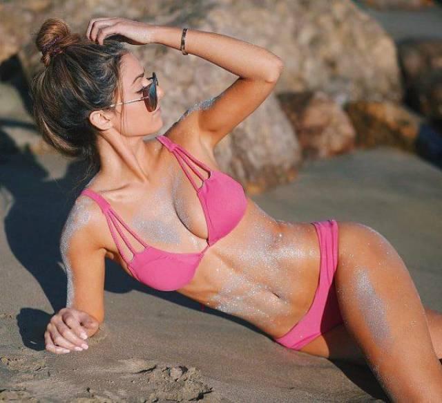 Babes In Bikinis Are A Beautiful Dream Come True (57 pics)