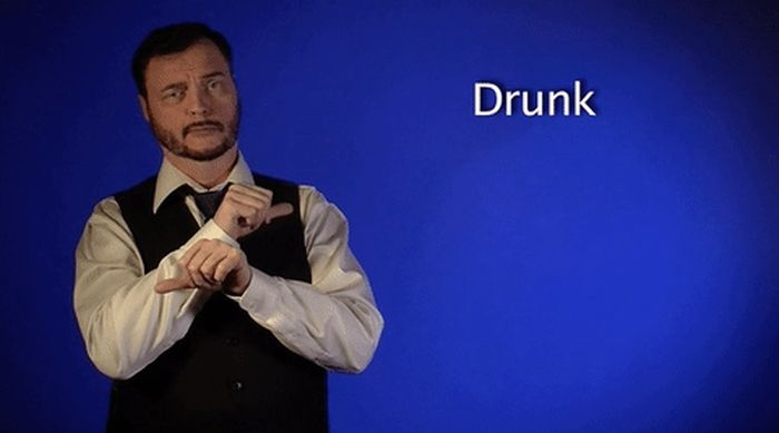 Why Sign Language Is Actually A Very Useful Thing (17 gifs)