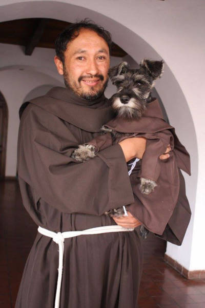Homeless Dog Is Now A Monk In A Monastery (10 pics)