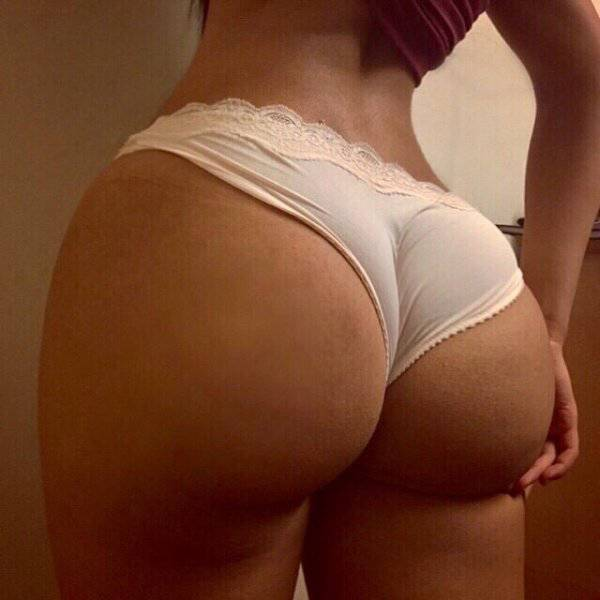 Nothing Is Hotter Than A Girl With A Great Booty (51 pics)