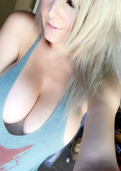 You're Going To Love These Jaw-Dropping Beautiful Busty Girls (60 pics)