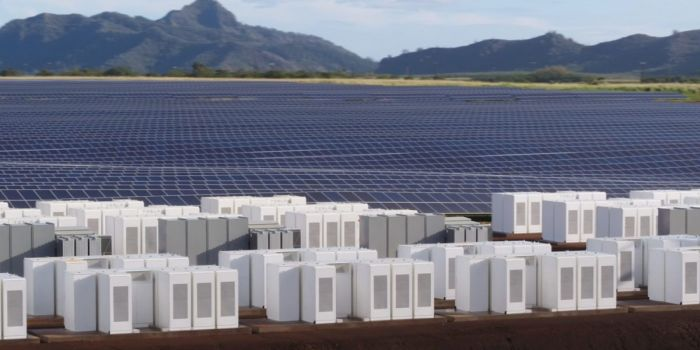 New Tesla Solar Energy Station Set To Power Hawaii At Night (4 pics + video)