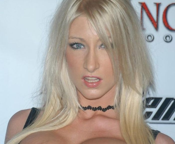Porn Star Mom Quits Her Job To Become A Pastor (13 pics)