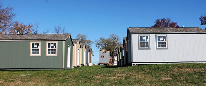 City Builds Tiny Village With Free Houses For Homeless Veterans (7 pics)