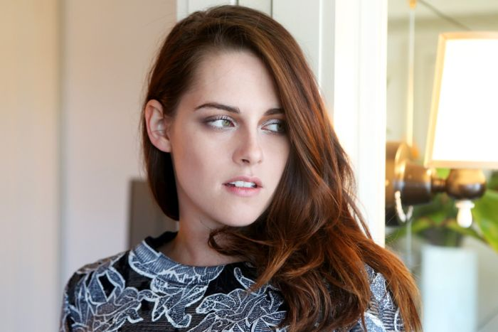 Kristen Stewart Shows Off Her New Haircut (5 pics)