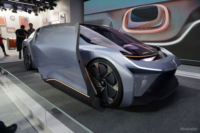 This Self Driving Car Is As Luxurious As It Gets (8 pics)