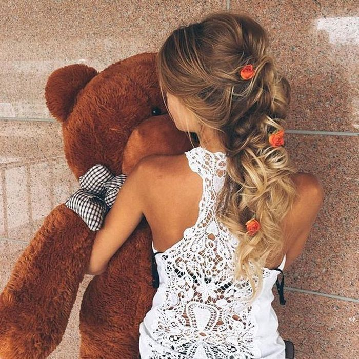 Sexy Girls Love Cuddling With Teddy Bears (39 pics)