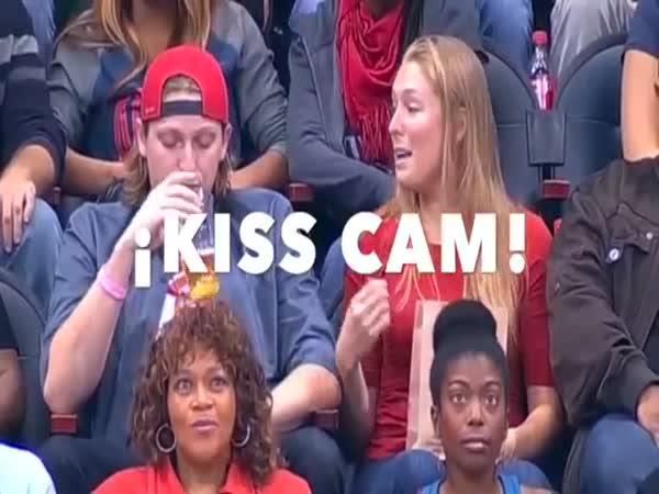 Woman Kiss Random Guy On Kiss Cam