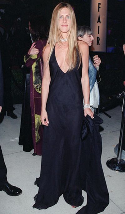 After 17 Years Jennifer Aniston Still Looks Just As Gorgeous (2 pics)