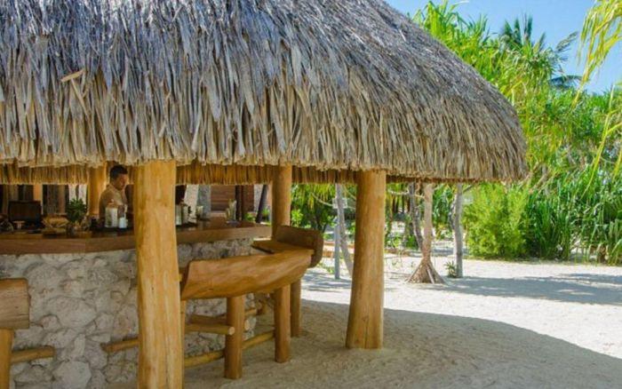 A Look At Marlon Brando's Private Polynesian Island (11 pics)