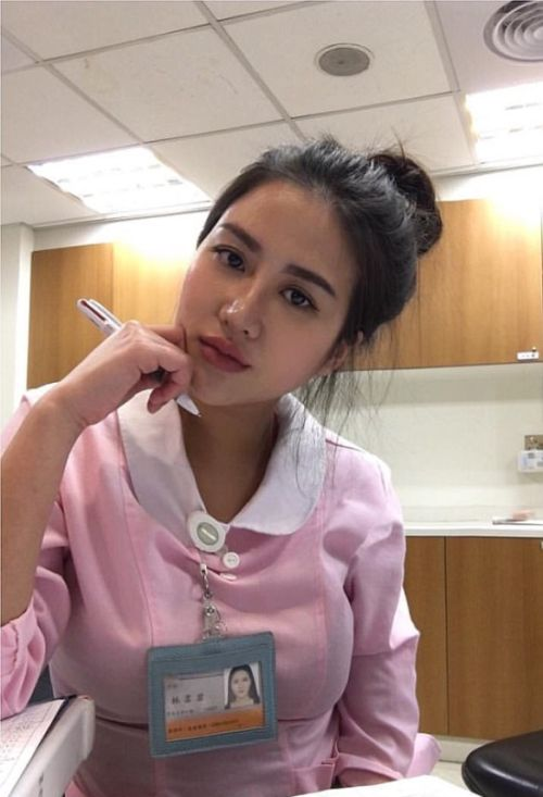 This Woman Might Be The Sexiest Nurse In The World (17 pics)