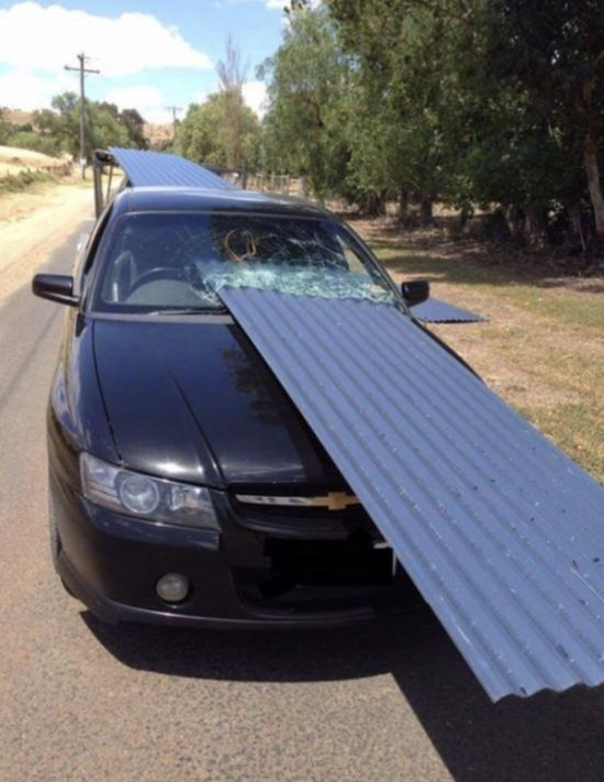 What Happens When You Don't Secure The Load (2 pics)
