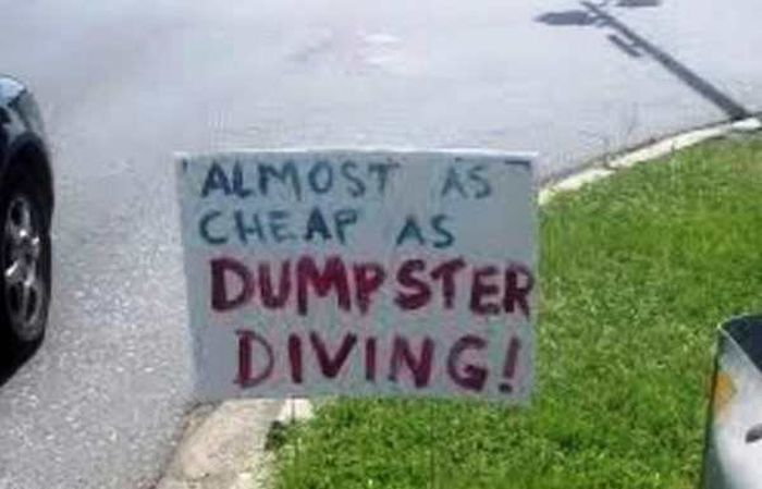 Extremely Funny Signs Found In Ordinary Yards (22 pics)