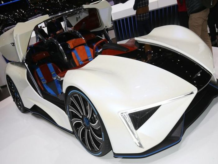 This Chinese Supercar Is Incredibly Powerful (10 pics)