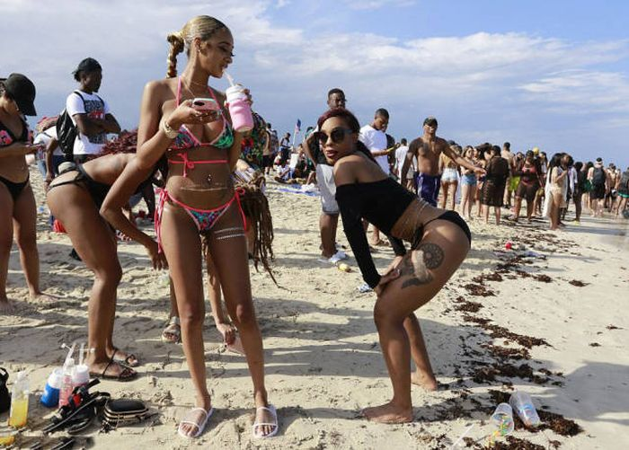 Drunk Students Are Flooding The Beaches For Spring Break (57 pics)