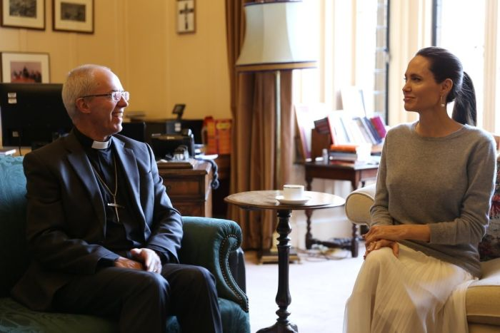 Angelina Jolie Forgot To Wear A Bra When She Met The Archbishop Of Canterbury (2 pics)