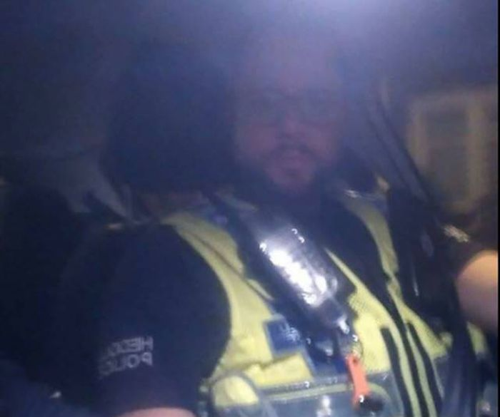 Police Officer Uses Group Chat To Get Drunk Man Home (5 pics)