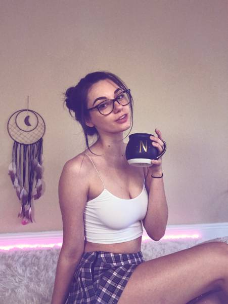 These Girls Show Just How Sexy Glasses Can Be (53 pics)