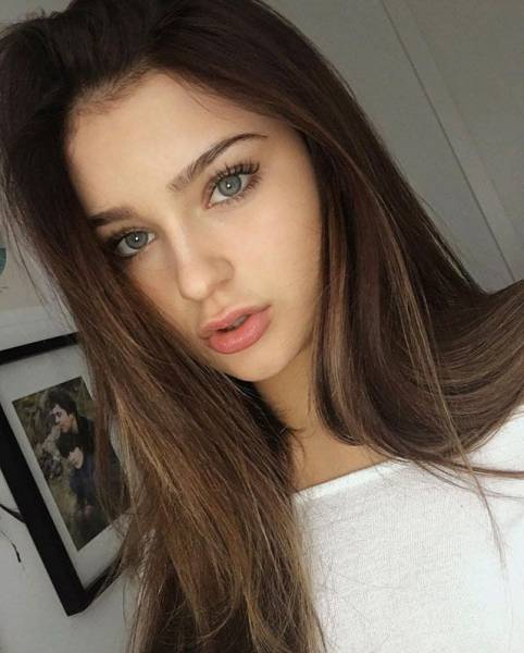 Beautiful Girls Are The Reason Why The World Keeps Turning (47 pics)