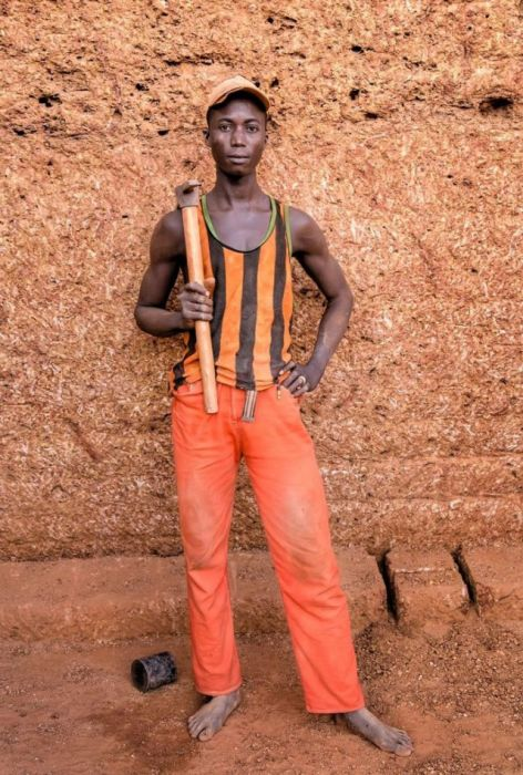 On The Ground In An African Village Brick Quarry (24 pics)