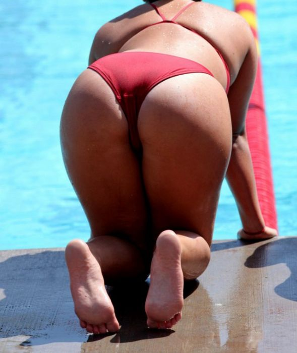 Hot Sporty Women Are Iressistible (35 pics)