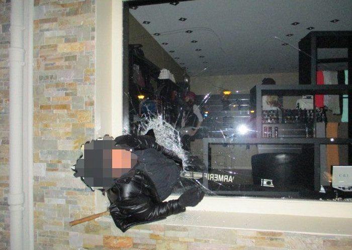Drunk Burglar Gets Stuck In A Window (2 pics)