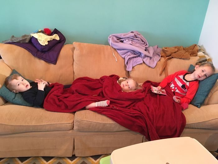 Pictures That Sum Up What It's Like To Have 3 Kids (24 pics)