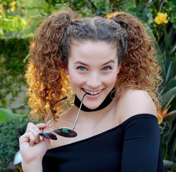 Sofie Dossi Is Unbelievably Flexible (24 pics)