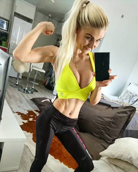 This Fitness Barbie Transformed Her Body Big Time (26 pics)
