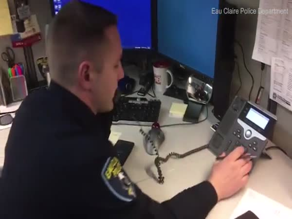 Hilarious Moment Cop Calls Back IRS Scammer