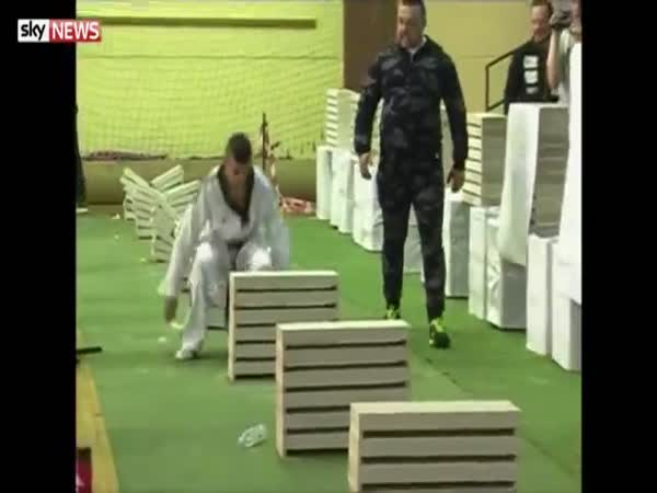 Taekwondo Champion Kerim Ahmetspahic Smashes 111 Building Blocks With His Head