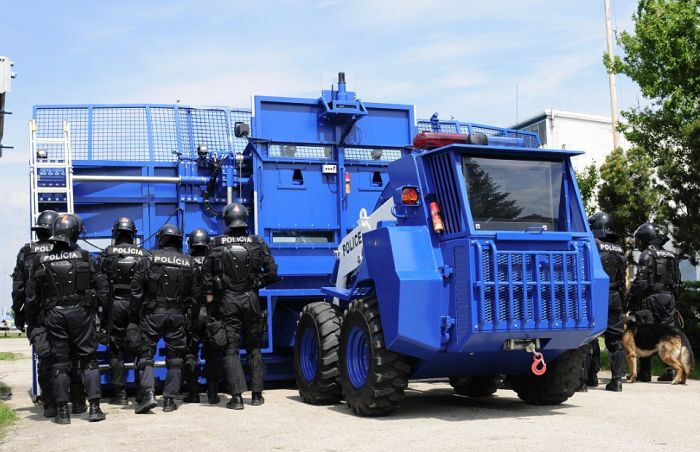 Don't Get In The Way Of This Anti-Riot Vehicle (7 pics)