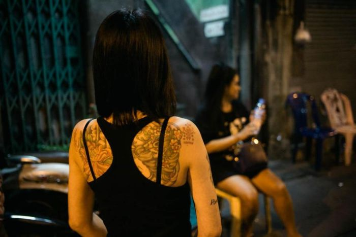 Photos That Show Off The Seedy Side Of Bangkok (14 pics)