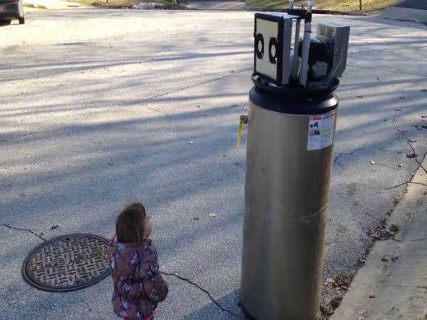 Rayna Meets A Robot