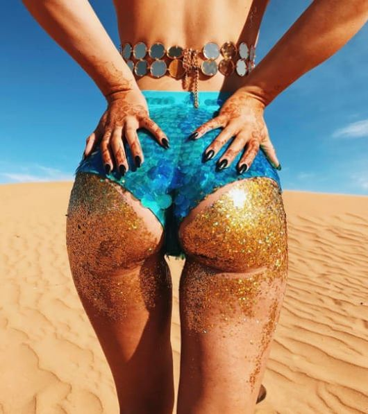 This Glitter Booty Trend Is Taking Over Instagram (6 pics)
