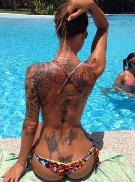 Girls With Tattoos On Their Backs (51 pics)