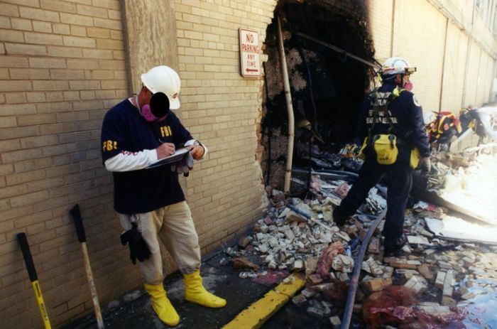 Heartbreaking 9/11 Investigation Images (22 pics)