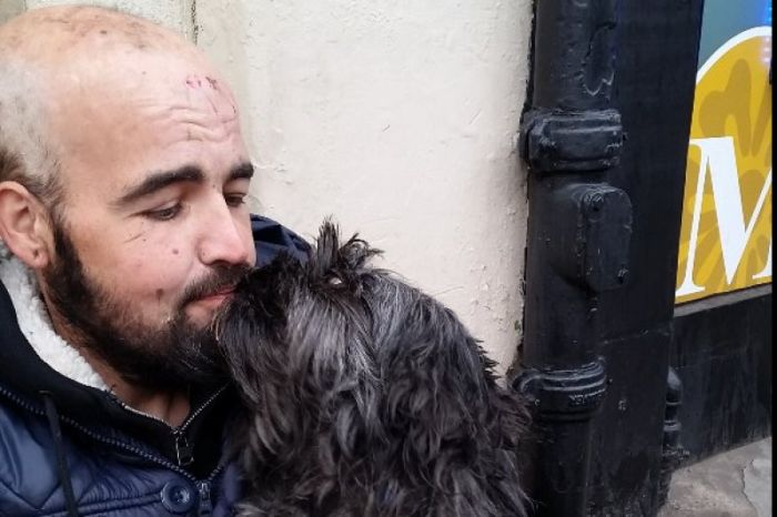 The Internet Helps Out Man And Dog Living On The Streets (2 pics)