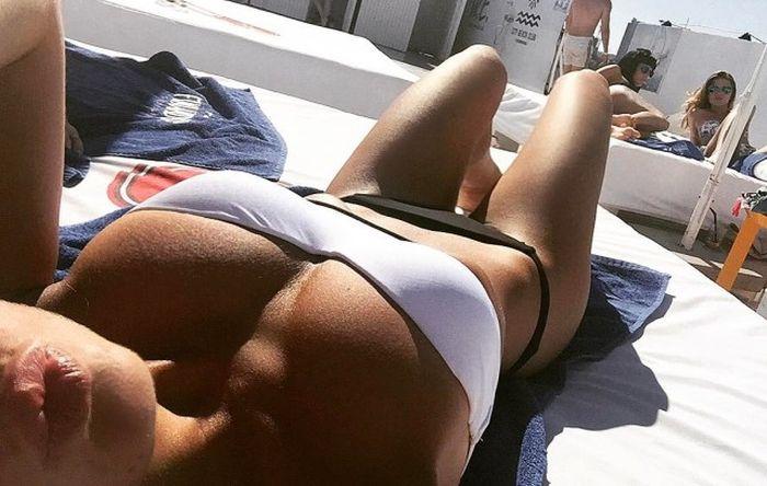 You've Got To Love It When Sexy Girls Take Selfies (41 pics)