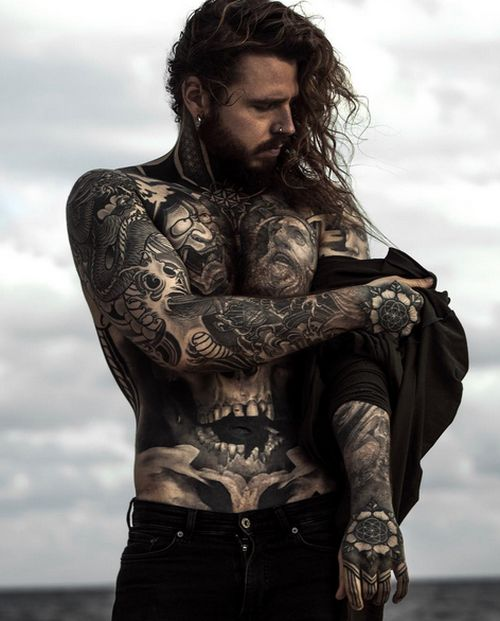 Meet The Man Who Tattooed His Weight Loss Scars And Changed His Body (6 pics)