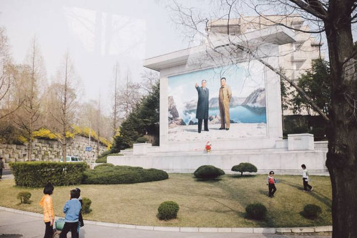This Is What North Korea Allows Foreign Photographers To See (40 pics)