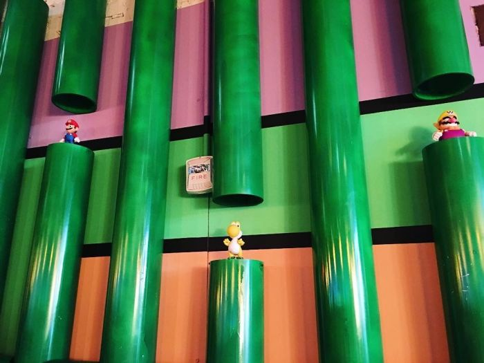 Fans Rush To Super Mario Themed Bar In Washington (12 pics)
