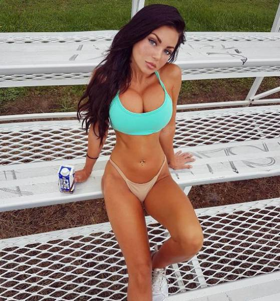 Fun In The Sun And Bikinis Are A Great Combination (51 pics)