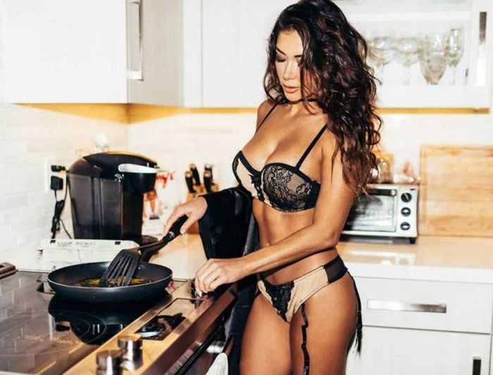 These Ladies Will Make You More Than Just A Breakfast (47 pics)